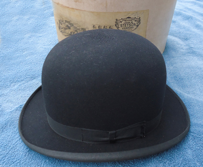 """The hat is also a """"flexible conforming"""" hat. This one was made between 1900  and 1920. 7a241b2affc"""
